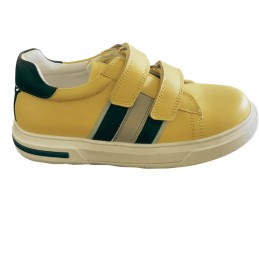 Geltoni batai 28 d.