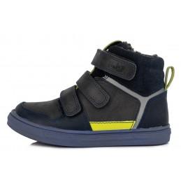 Tamsiai pilki batai su...